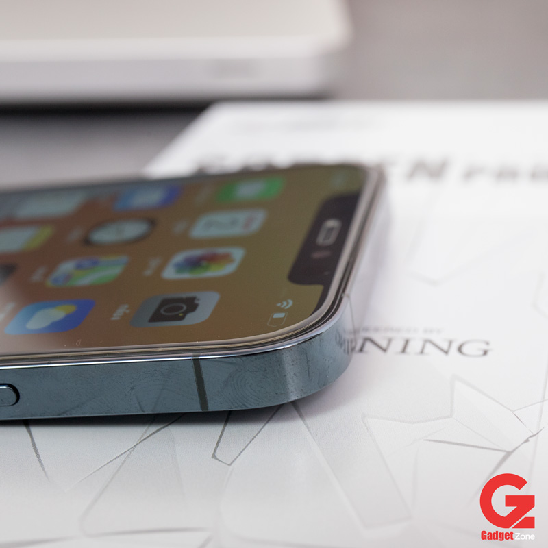 ฟิล์มกระจก zeelot iphone 12 แบบใสไร้ขอบ